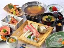 ■九宝(くほう)懐石  金目鯛、鱈、牡丹海老、唐墨、河豚、蟹など旬が揃いました。