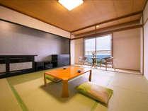 ■緑風館-和室-■和室10畳。畳の香りが優しく、裸足でゆったりゴロゴロできるのんびり空間