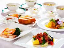 調理方法がシンプルな中国料理は、素材と味付けが命。お口の中でグっと広がる風味は、大陸の風