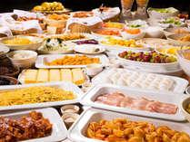 """「健康的で美味しい朝食を楽しんでください」というシェフの""""おもてなし""""から生まれた朝食バイキング"""