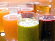 爽やかスッキリ、朝の1杯にスムージーをどうぞ♪【食物繊維や栄養素が豊富】で飲みやすいドリンクです♪
