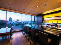 1F日本料理『有栖川』握りたてのお寿司を楽しめるカウンター席もございます。