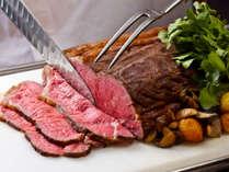 上品な甘みとうま味が溢れ出す「淡路牛のローストビーフ」をはじめ、多彩な淡路島グルメが満載♪