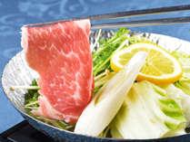 『淡路牛』『淡路島産猪豚』など、地元の名食材を用いた檸檬鍋
