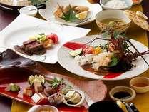 四季をそのままお料理にしたような美しい懐石料理は選びぬかれた食材を使用したものばかり。