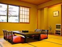 【お部屋】心地良い落ち着きのある和室12畳。※一例