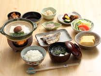 【ご朝食】京豆腐や京漬物を盛り込んだ和朝食をご用意※イメージ