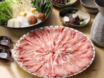 【豚しゃぶ】味噌仕立てのおだしが、豚肉の旨味を引き立てます。※イメージ