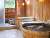 *風呂(女湯)/露天風呂からは自然の景色や星空が眺められます。