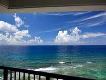 禁煙ルーム 上層階客室ベランダから望む海