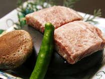 【夕食一例】ご好評頂いている和牛の石焼きステーキ!お好みの焼き加減で召し上げれ♪
