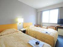 【ツイン】お子様の添い寝も可能なのでファミリーでのご利用におすすめです。※客室写真は一例となります