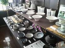 福岡県特産品の小石原焼きを展示・販売致しております。