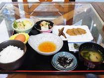 朝食付★名物・じゃこ天が付いた和食で一日スタート!