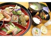 【奄美を味わう和食コース】島の素材を堪能しできる郷土色豊かな和食のコース。