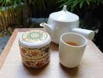地元民も愛する「上林金沢茶舗」の「加賀棒茶」