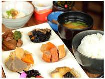 【忘新年会応援!】ウコン・ミネ・12時チェックアウト!朝食付プラン