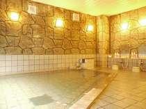 活性石人工温泉大浴場(深夜2時まで朝は5時から10時まで)ご宿泊中は、何度でもご利用いただけます。