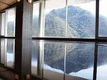 金華山・岐阜城を望む