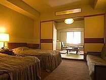 和洋室の一例。ベッドもいいけど靴も脱いでいたい!の両方を叶えます♪