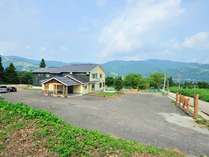<新潟県下最大級>広さ3000坪のドッグランをもつペットと泊まれる宿です。