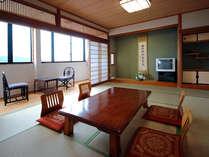 夜景側和室10.5から15畳(別館)稲佐山を正面に見る夜景
