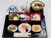 【朝食】=和食メニュー一例= 朝食は定食形式でご用意しております。