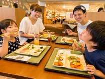 ◆夕食は約40種類、朝食は和洋約20種類★たくさん食べて、いっぱい遊んでください♪