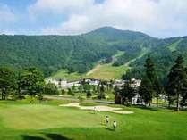 ◆ホテル前に広がるゴルフ場