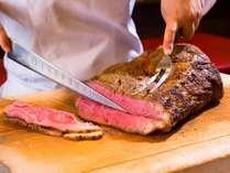 ◆夕食メインはローストビーフ★(ステーキの日もあります)