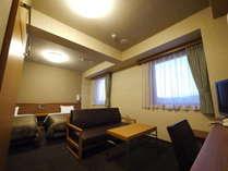 【デラックスツインルーム】ソファ付♪2つの窓から、富士山を展望出来ます♪~140cmベット×2~