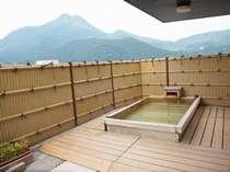 屋上露天風呂「きらら」貸切風呂になります