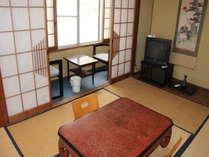 神無月のお部屋です。離れの2Fにあるお部屋で小さいお子様などがいる際には静かでお勧めです。