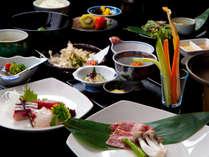 【季節の旬会席】色とりどりの料理とこだわりの新鮮な食材をふんだんに使用した旬会席