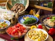 朝食バイキングは地元野菜がたっぷり♪