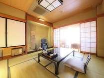 ゆったりすごせる純和風の客室