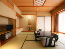カップルやご夫婦にちょうど良い広さの和室8畳