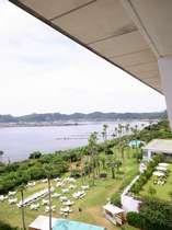 【客室からの眺望】 全室オーシャンビューで錦江湾(鹿児島港)を見渡すことが出来ます