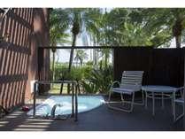 【ガゼボルーム】専用露天風呂からは庭園を望めます