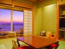 オーシャンビュースタンダード客室一例。美しい海景色・夕景がご覧頂けます。