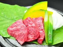 *【夕食一例/ステーキ】トロけるようなまろやかさが口一杯に広がる脂肪の甘さが特徴です。
