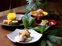 軽井沢近隣の素晴らしい環境から生まれる豊かな食材を会席に仕立てます。