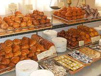自然派レストラン「トロティネ」の朝食。自家製パンも大好評!