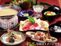 日本料理「吉翠亭」の特製豆乳鍋。寒い季節にピッタリの心も体も温まるお食事です。