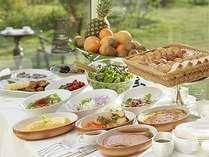 爽やかな朝食をお楽しみ下さい。