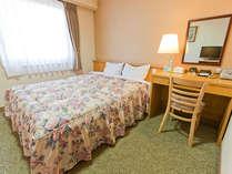 ダブルルーム☆やさしい色調のお部屋/選べる枕2種・ウォシュレット完備