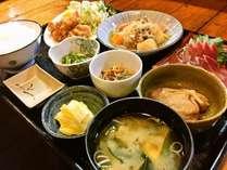 【日替わり夕食一例】ご飯はおかわり自由です!※魚沼産コシヒカリ