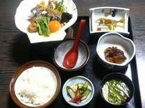 郷土料理味噌貝焼きとお刺身のお気軽な、あすなろ定食