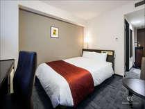 【スタンダードダブルルーム】18.2平米・ベッド幅140㎝