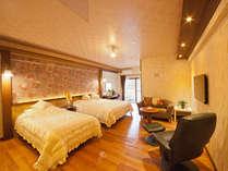 35平米のお部屋に160cm幅ベッド1台、100cm幅ベッド1台、 スーヘ°リアツイン